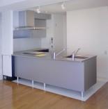 t-ouest様のキッチン内装改修工事をしました。